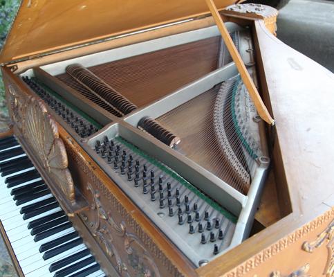 Claviano instrument