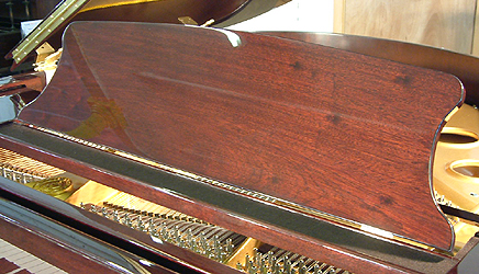 Halle & Voight Grand Piano for sale. We are looking for Steinway pianos any age or condition.