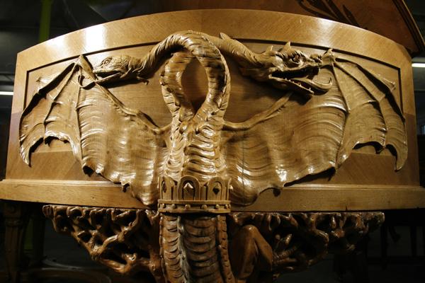 贝西斯坦 型号 C,1895年,精美雕刻的胡桃木外壳
