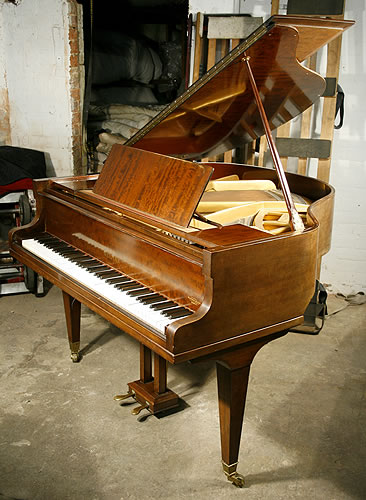 Welmar baby grand piano for sale with a fiddleback for How big is a grand piano