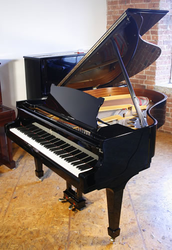 Steinway model m grand piano for sale with a black case for Big grand piano
