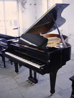 Kawai GS40 grand piano  For sale with a black polyester finish