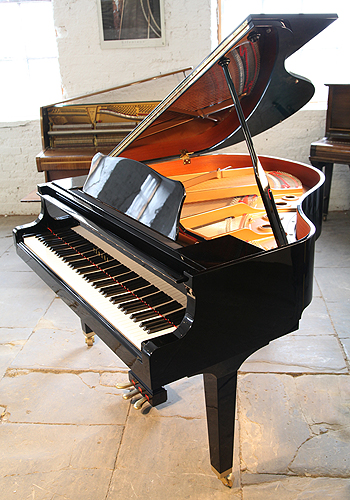 Yamaha gb1 baby grand piano for sale with a black case for How big is a grand piano