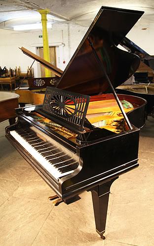 贝西斯坦(Bechstein)型号 A1 三角钢琴,产于1924年,黑色外壳,方形琴腿