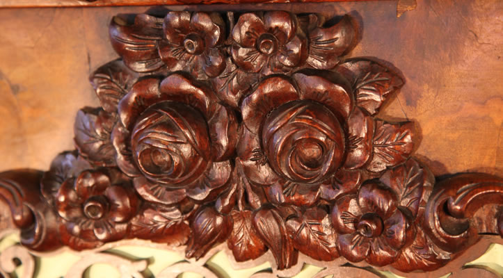 Rowold carved floral detail