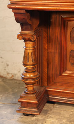 Steingraeber & Sohne carved piano leg detail