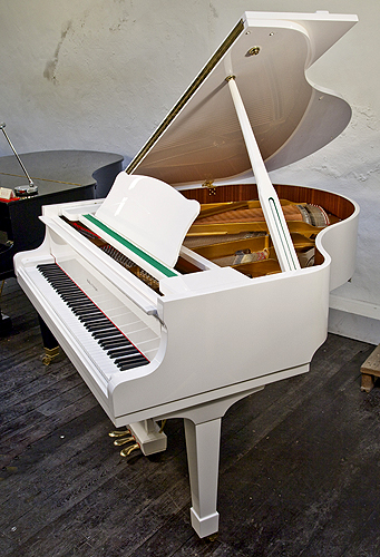 Halle And Voight Baby Grand Piano For Sale With A White