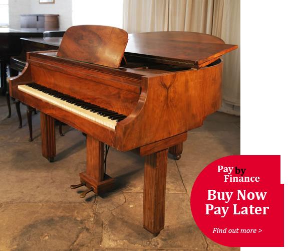Strohmenger Baby grand Piano for sale.