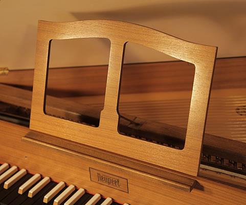 Neupert music desk