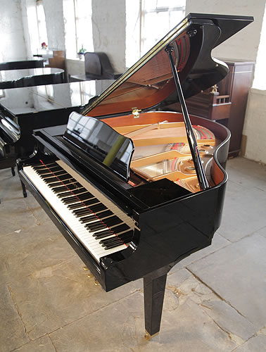 Yamaha gb1 baby grand piano for sale with a black case for Big grand piano