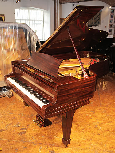 A 1925, Steinway & Sons Model B Grand Piano For Sale with a Fiddleback Mahogany Case