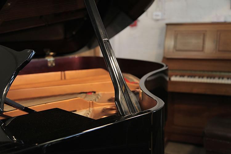 Toyama  piano prop stick