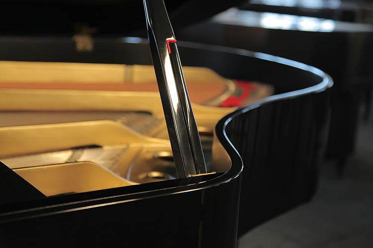 Yamaha G2 piano prop stick