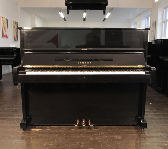 雅馬哈(Yamaha)型號 U1 立式鋼琴,產於1970年,高亮拋光黑色外殼