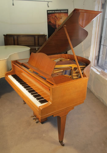 Bluthner baby grand piano for sale with a fiddleback for Big grand piano