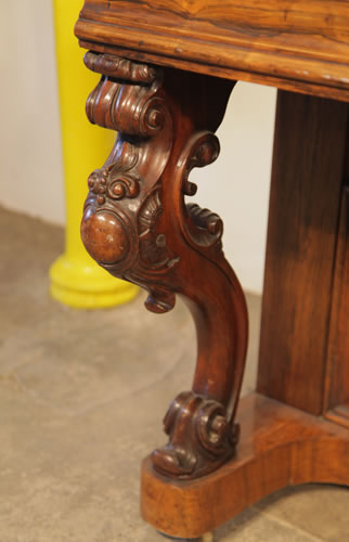 Kirkman ornately carved piano leg