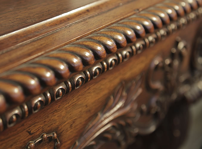 Pape piano carved gadrooning and beading detail