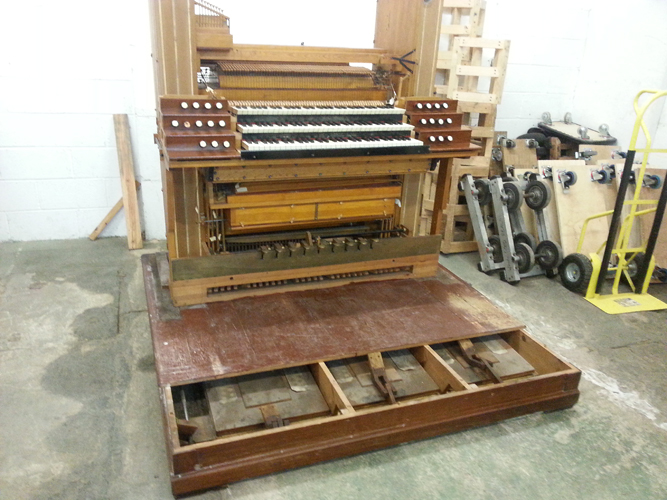 Organ mechanism beneath staging