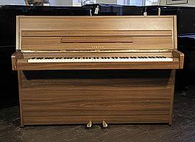Yamaha LU-101 upright Piano