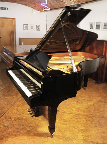 A 174, Steinway & Sons Model B Grand Piano For Sale with a Black Case