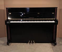 Yamaha LX113 upright Piano