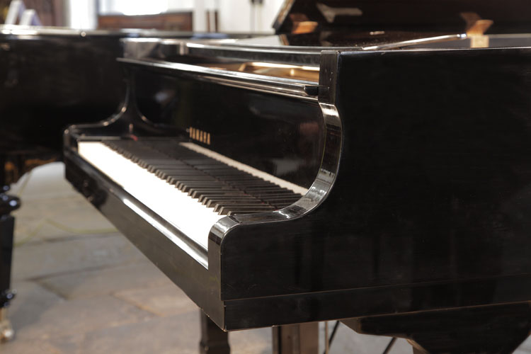 Yamaha C7 Grand Piano for sale.