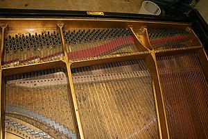 钢琴翻新 确定音板的状况