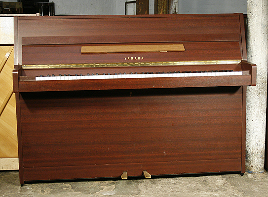yamaha e108 upright piano for sale with a mahogany case a cheap yamaha e108 piano formerly a. Black Bedroom Furniture Sets. Home Design Ideas