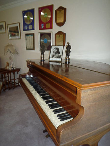 Challen Baby Grand Piano Formerly Owned By Hurricane Smith